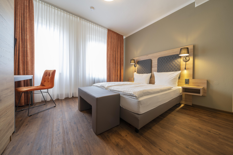 Hotel-Hirsch-Zimmer-Standard-06