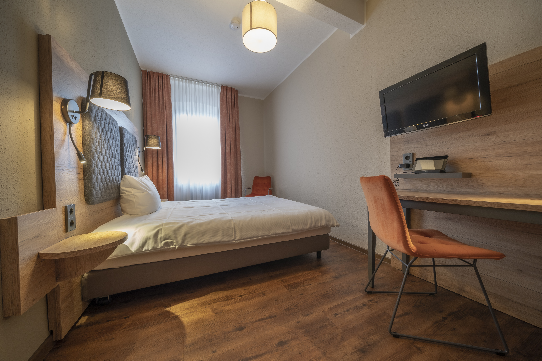 Hotel-Hirsch-Zimmer-Standard-09