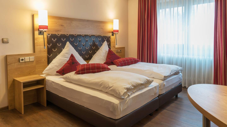 Hotel-Hirsch-Zimmer-Gaestehaus-05