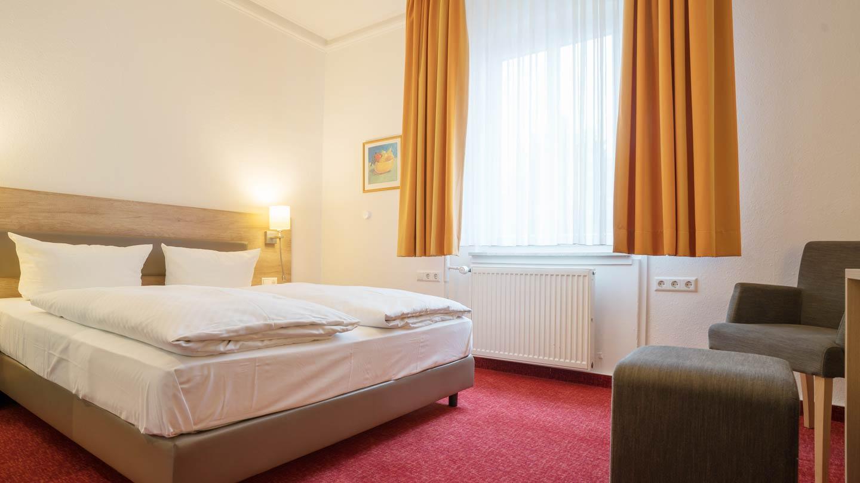 Hotel-Hirsch-Zimmer-Standard-03